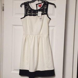 Brand new never worn Elle white/ blk lace dress